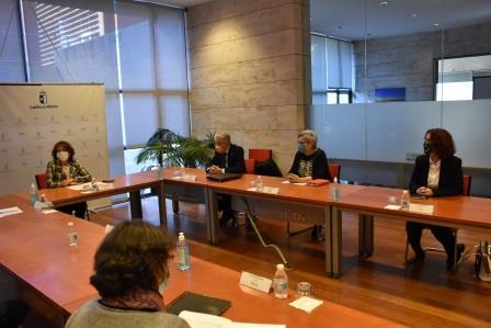 Reunión de la consejera de Bienestar Social con las fundaciones tutelares que trabajan en Castilla-La Mancha